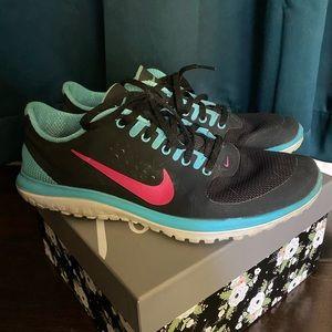Women's size 10 Nike shoes